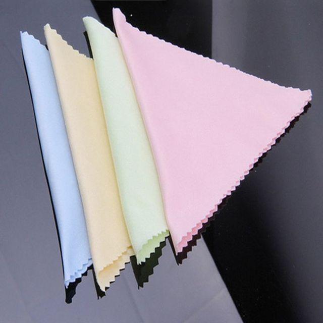 c805ffdaaa1aec 10 pcs Cleaner Propre Lunettes Lingette Lingettes Pour Lunettes De Soleil  Microfibre Lunettes Chiffon De Nettoyage
