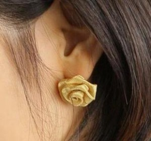 2019 Hot New Fashion Korean Temperament Yarn Gauze Rose Earrings Earrings Stereo Rose To Spread The Goods For Men And Women Quality And Quantity Assured