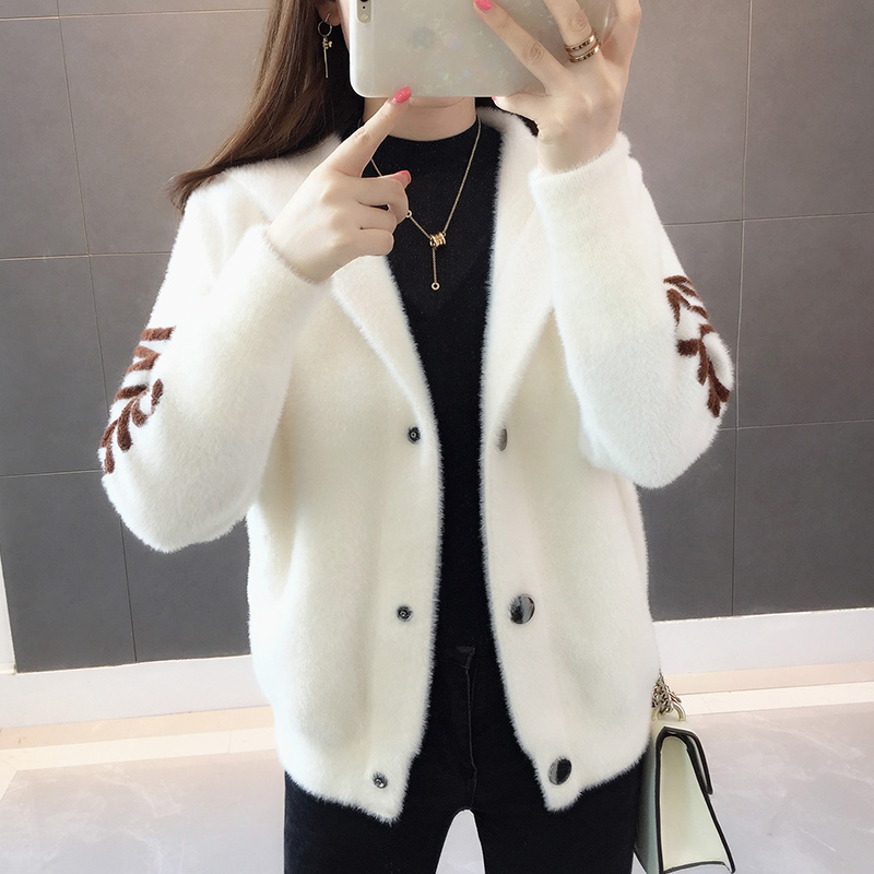 2019 New Style Imminent Mink Fleece Jacket, Short Net Red Sweater, Female Hooded, Lazy Wind, Knitted Cardigan Tide.