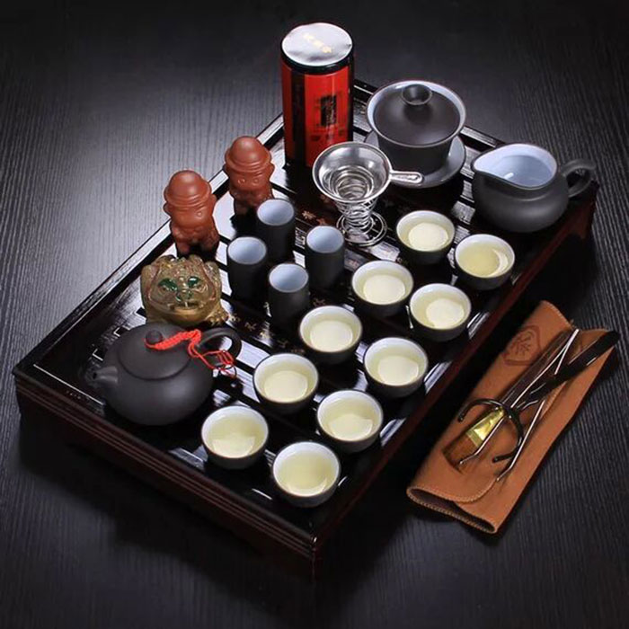 Cina kung fu teh set porselin dulang ungu grit teapot seramik untuk cawan teh dengan piring kayu pepejal periuk teh 26pcs