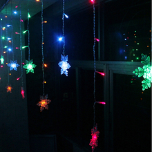 Holiday Lighting 3.5M 96 LED Snowflake Fairy Curtain LED String Lights Outdoor