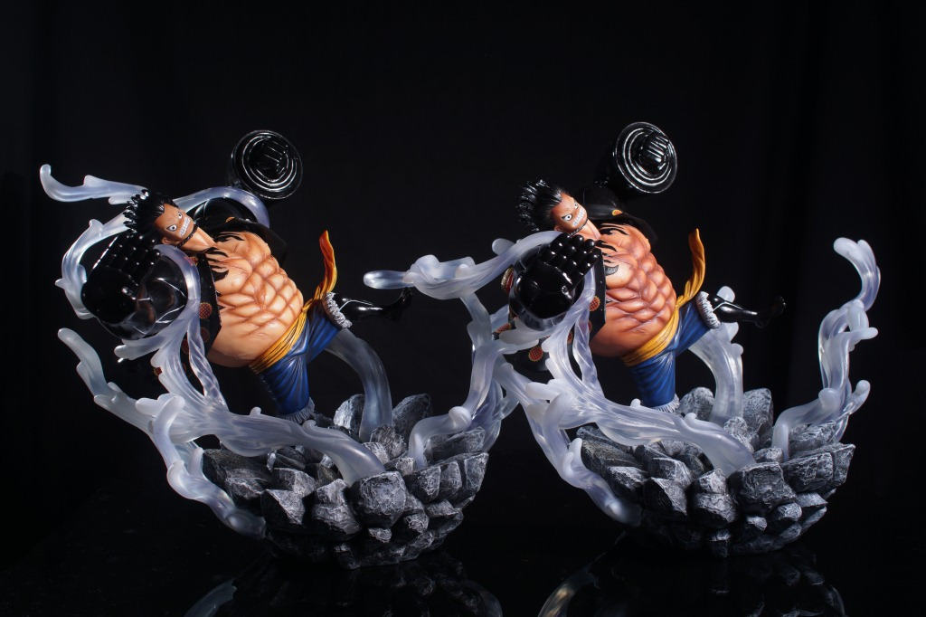2Parts / sets luffy Gear fight frame anime one piece model garage kit pvc action figure classic collection doll toy anime one piece arrogance garp model pvc action figure classic collection garage kit toy doll