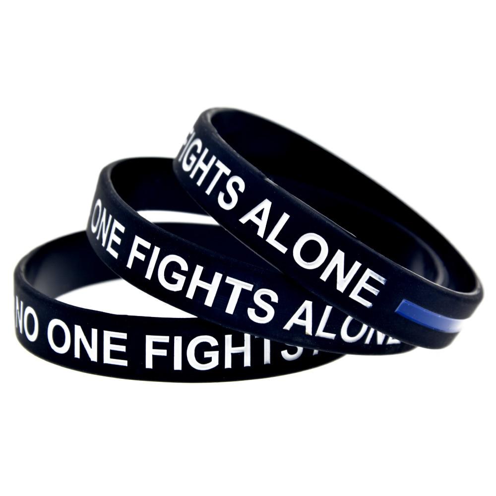OBH 1PC Black Debossed Niemand kämpft allein mit Blue Line Silikon Armband