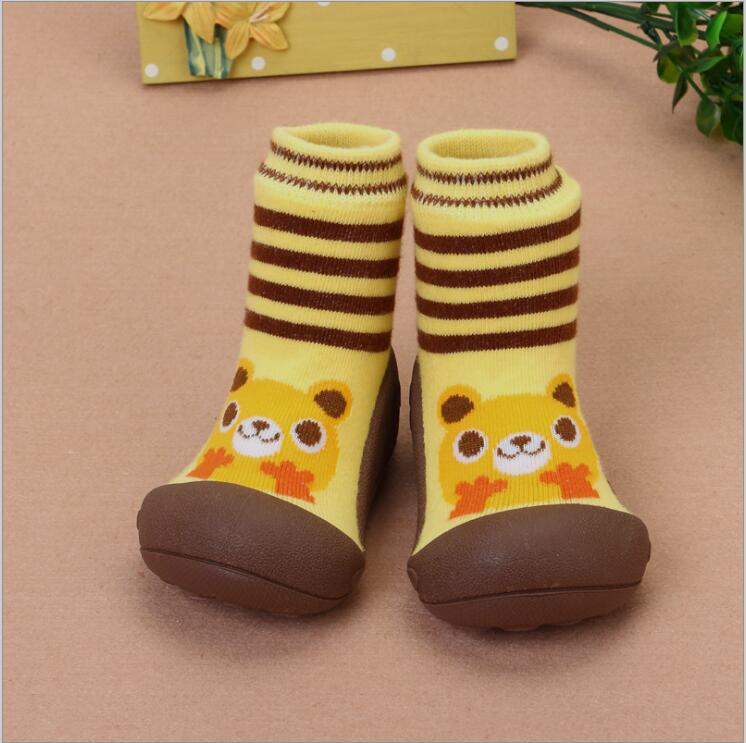 2017 New Attipas Same Design Shoes Baby Girl Boy Shoes Newborn Baby Moccasins Shoes Enfant Shoes Socks Rubber Sole Kids Boots