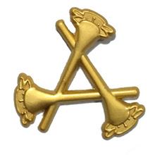 Customized Arrow Shape Gold Plated Lapel Badge Promotional Metal Plating