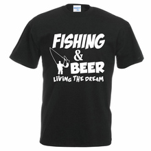 FISHING & BEER: Living the Dream – men's t-shirt