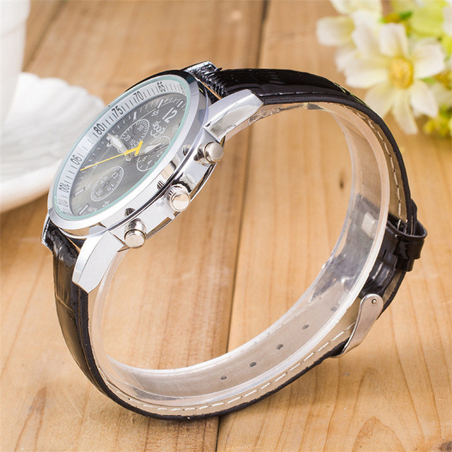 Womens Watches Ladies Fashion Cute Cartoon Dial Wrist Watches Female Girl Leather Band Analog Alloy Quartz Watch U229