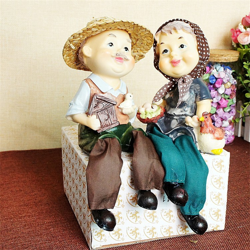 2pcs Natural Resin The Old Farmer Couple Long Legs Rural Style Furnishing Articles Sweet Symbol Meaningful Chic Home Decorations