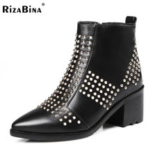 Rizabina размеры 33–45 Для женщин из натуральной кожи на высоком каблуке Ботинки на молнии с заклепками ботинки до середины икры теплая обувь зимние короткие боты Для женщин обувь