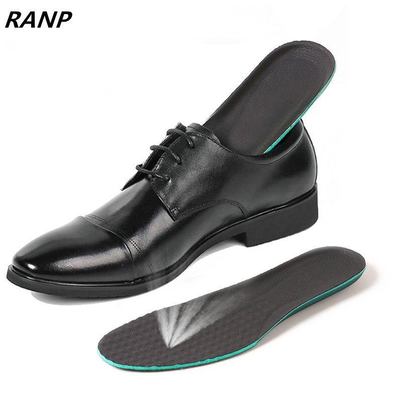купить High Quality Memory Foam Shoes Pads Flat Feet Heel Cushion light weight breathable Men &Women Orthotic Insoles Foot Massager по цене 303.89 рублей