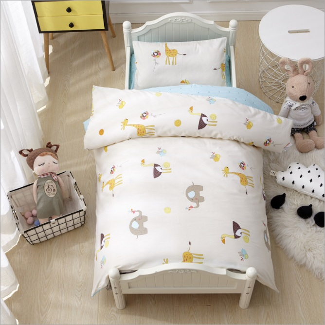 3Pcs Cotton Crib Bed Linen Kit Cartoon Baby Bedding Set Includes Pillowcase Bed Sheet Duvet Cover Without Filler creative cup of giraffe pattern square shape flax pillowcase without pillow inner