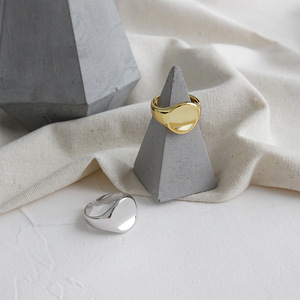Image 2 - Silvology 925 Sterling Zilver Glossy Concave Sureface Ringen Ronde Hoge Kwaliteit Geavanceerde Model Ringen voor Vrouwen Nieuwe Kantoor Sieraden