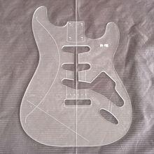 guitare acrylique ST faisant