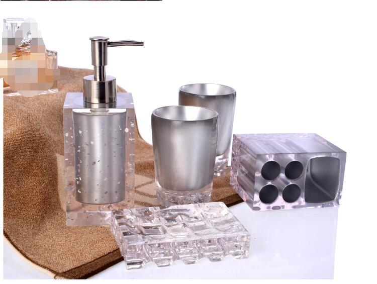 Kryształ zestaw akcesoriów łazienkowych uchwyt na szczoteczkę do zębów balsam butelka 5 sztuk kreatywny apartament typu Suite łazienka mycia akrylowe Ware strona główna dekoracji w Zestawy akcesoriów łazienkowych od Dom i ogród na  Grupa 3