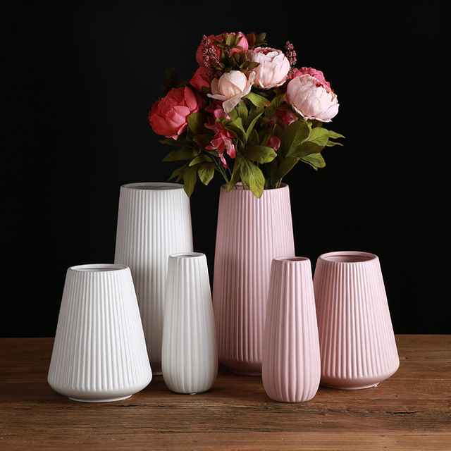 Classic Mediterranean Ceramic Vase Nordic Modern Simple Ceramic Vase Home Flower Inserter Creative Decoration 2