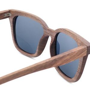 Image 5 - Bobo pássaro óculos de sol polarizados de madeira dos homens das mulheres óculos de sol preto nogueira de madeira vintage uv400 óculos de bambu na caixa de presente
