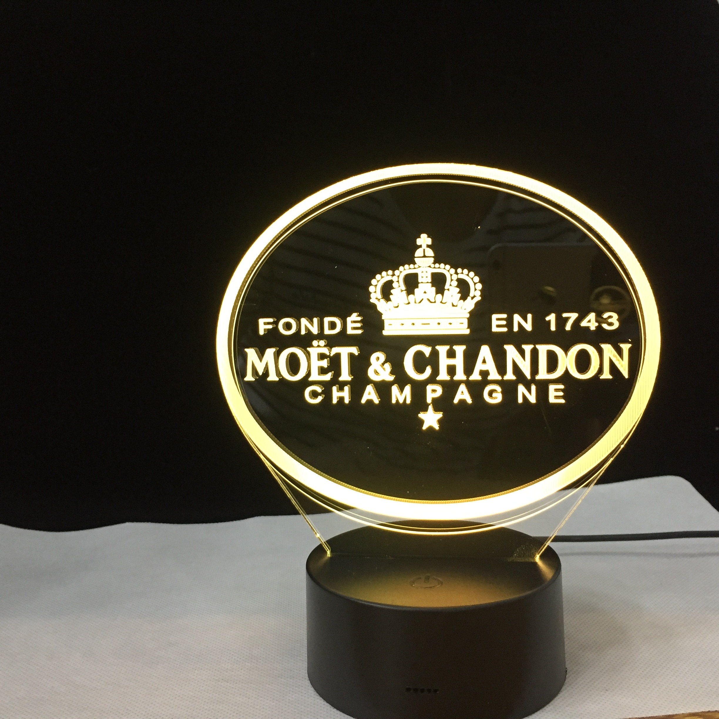 Moet Et Chandons 3D Led Night Light Lamp Gift for Clients Friend Baby Nightlight Usb or Battery Powered Office Decorative Lamp
