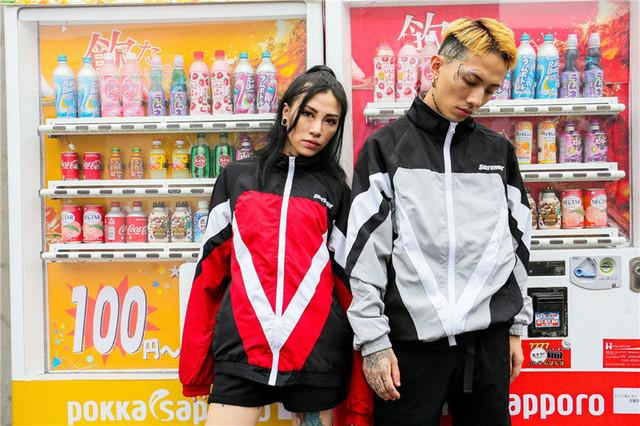 Men Hip hop Sports Loose windbreaker jacket male tide couple sports street stand collar color matching hip hop jacket tide boy