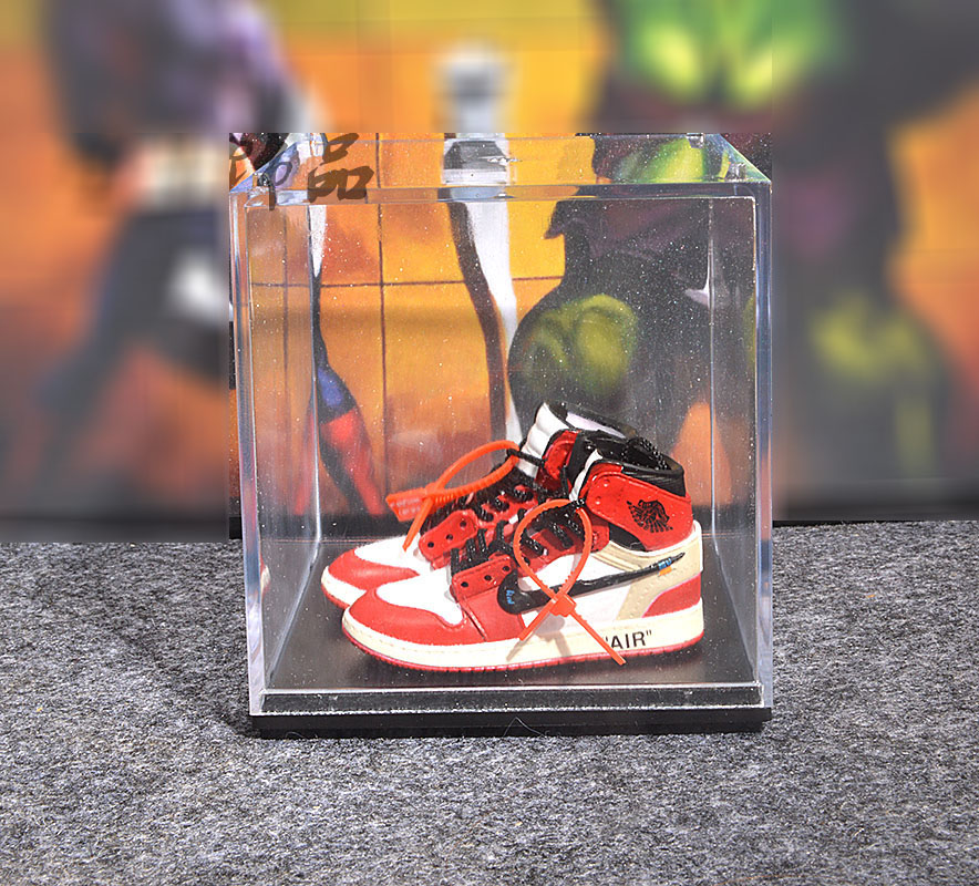 dropshipping pvc keychains doll accessory keychain with acrylic display box 3D Mini Shoe sneaker KEYCHAIN