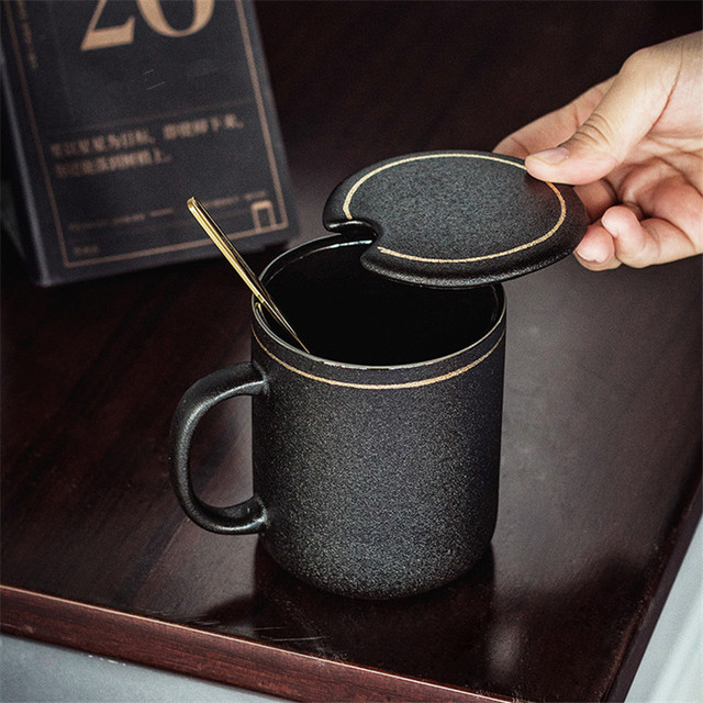 High-End dos homens de Escritório Copo Caneca Tampa do Copo de Café Simples Preto Fosco Negócio Copo Xícara de chá Caixa de Presente Namorado com Uma Colher de Ouro