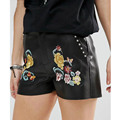 Stylish Flower Floral Pattern Embroidered Slim Casual Rivet PU Faux Leather Shorts Trendy Women Femme Street Mini Shorts Black