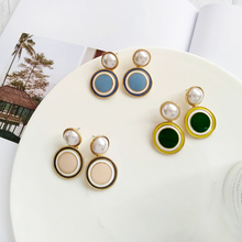 Ms fashion statement earrings jewelry pendant earrings 2018 Circular geometric pearl earrings gift wholesale ms best fashion black gray resin wedding jewelry design pendant earrings women girl statement earrings gifts wholesale wedding