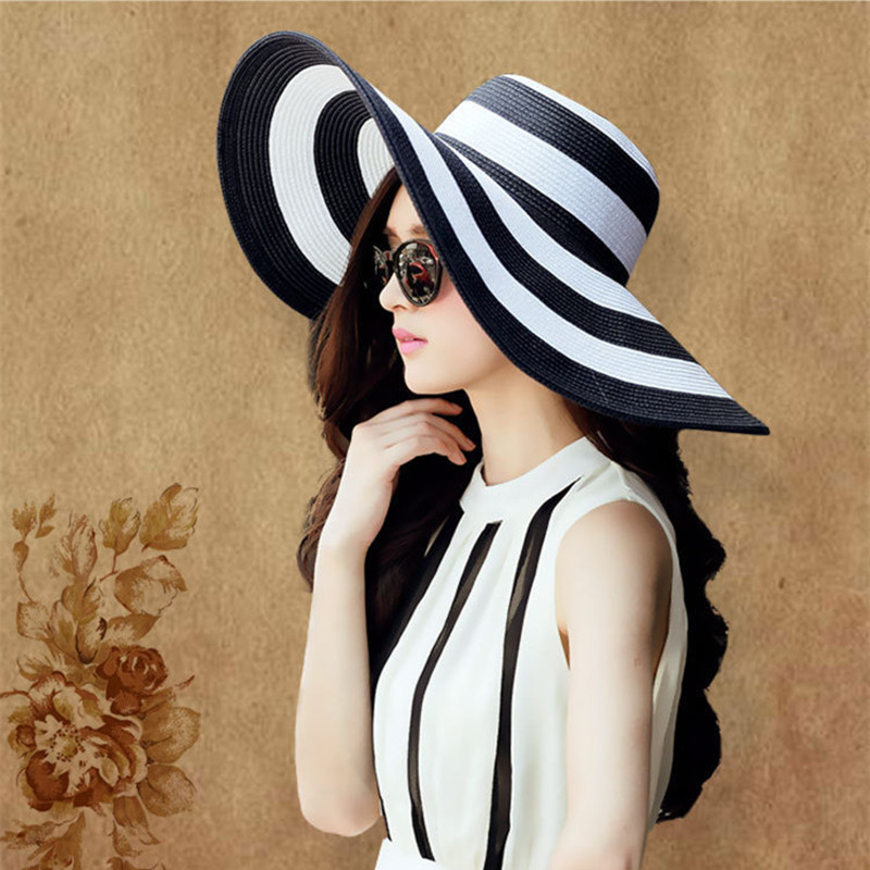 fashion Seaside Black and white circle sun hat female summer sun hats for women  large brimmed straw sun hat folding beach girls-in Sun Hats from Apparel ... 6d30b8121e97