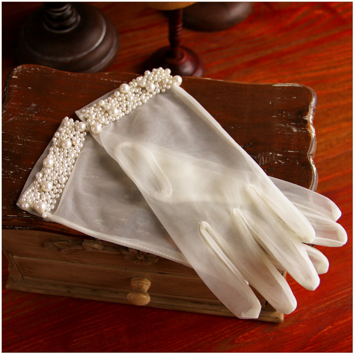 Women's Elegant Pearl Beaded Perspective Mesh Short Gloves Female White Color Sexy Lace Glove R1250