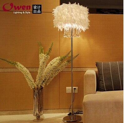 現代家の装飾リビングルーム羽 k9 クリスタルフロアランプの寝室の羽のフロアランプコーヒーショップライト送料無料