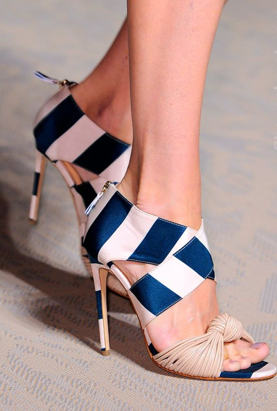 2018 Summer Fashion Knot Bow Front Women Open Toe Sexy High Heels Cross Stripes Ladies Elegant Sandals Club Stiletto Size 42 knot front letter tee