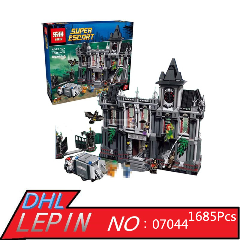 LEPIN 07044 1685Pcs  Asylums Set Super Hero Series Building Blocks Bricks Toys Children Educational Model Gift 10937 ynynoo lepin 02043 stucke city series airport terminal modell bausteine set ziegel spielzeug fur kinder geschenk junge spielzeug