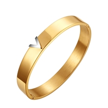 цены free shipping New arrival 2016 brand jewelry titanium steel yellow gold with letter V bangle bracelet for women
