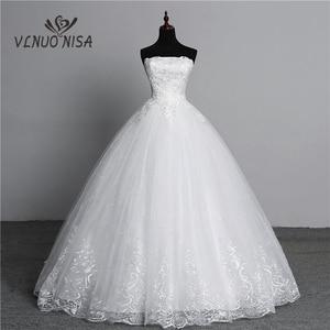 Image 1 - Vraie Photo Simple dentelle fleur sans bretelles blanc cassé mode Sexy robes de mariée pour les mariées grande taille vestido de noiva