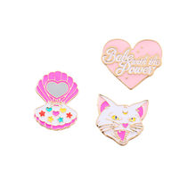 2019 Baru Fashion Lovely Merah Bubuk Putih Enamel Peach Jantung Kucing Kotak Kosmetik Gadis Korsase Bros(China)