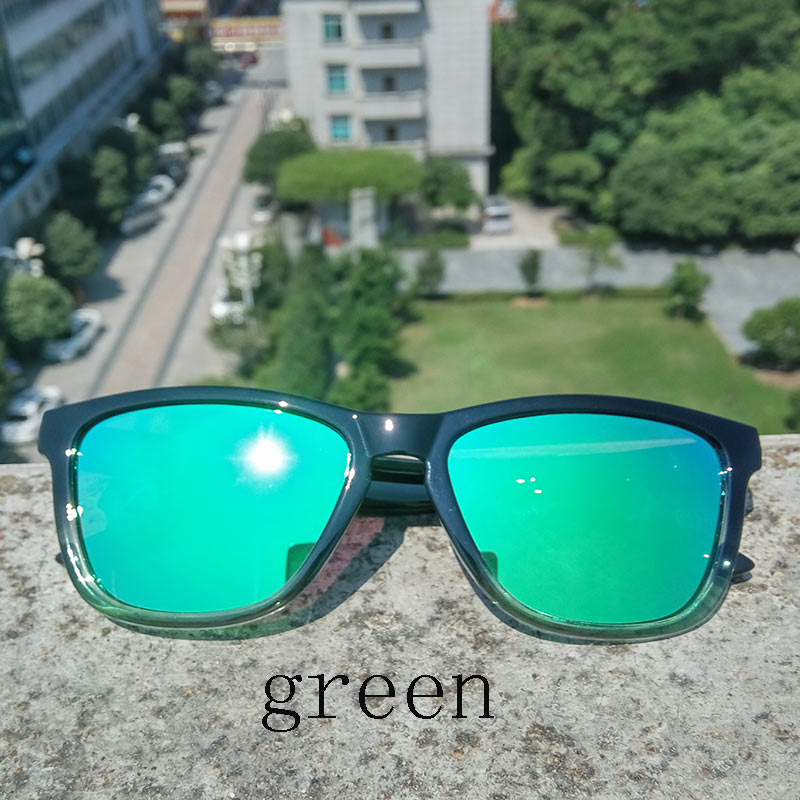 2019 New Fashion Polarized Women Solglasögon Berömd Lady Brand Designer Gradient Colors Coating Mirror Solglasögon UV400