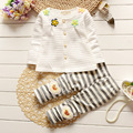 2016 Новый Стиль Осень Четыре Цветок Кнопка Кардиган Конфеты Цвет Одежды Костюм Для Маленьких Детей Девочек