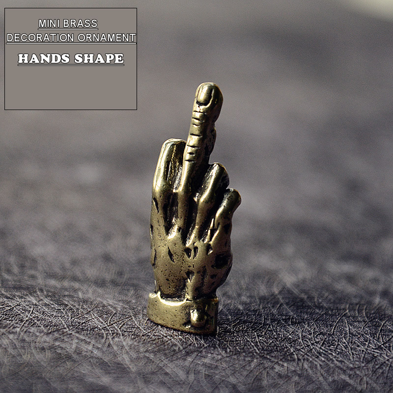 Mini Brass Hands Finger Up Statue Portable Punk Style Decoration Ornament Sculpture Home Office Desk Ornament Funny Toy Gift