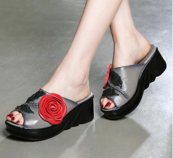 Vintage Ethnic Style Leather Roman Flower Fish Mouth Open Toe Sandals Thick Bottom Wedge with Female Mother Shoes
