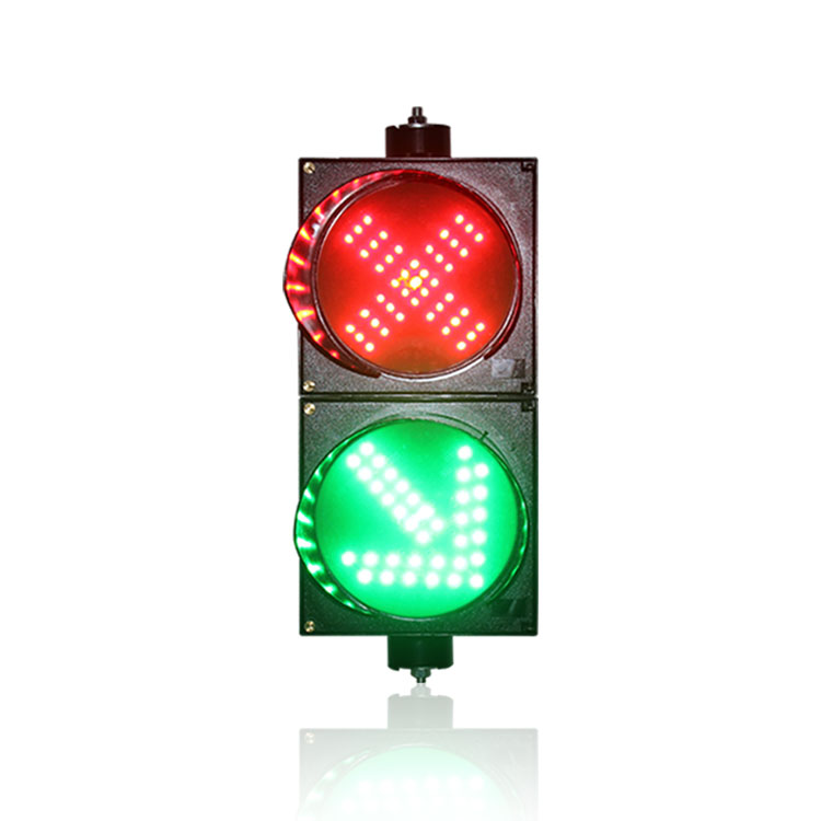 New design parking lots 200mm red cross 45 degree green arrow LED traffic light for sale