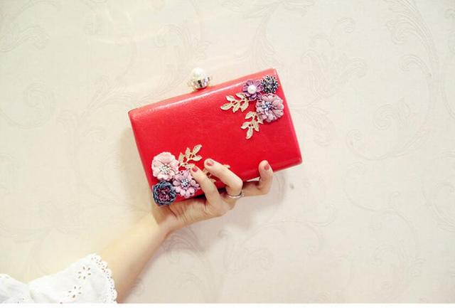 Meloke 2018 high quality women handmade flowers evening bags mini wedding dinner bags luxury clutch purse with 2 chains 3