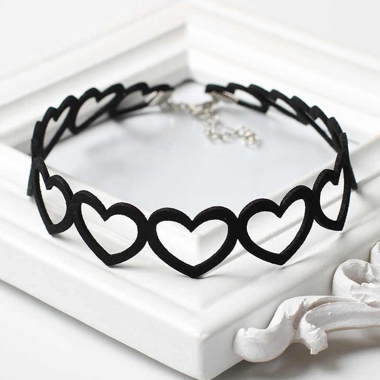 Милое полое Сердце Черный Бархатный чокер ожерелье в готическом стиле короткий тату-чокер Neclace для женщин ювелирные изделия на шею Collier Femme