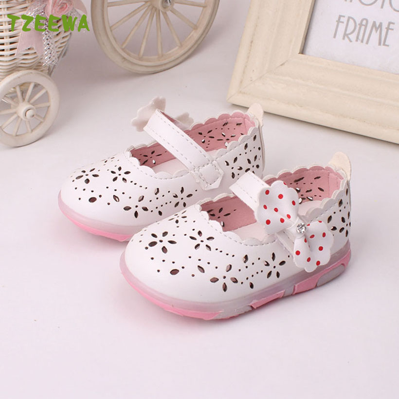 2017 New Sandalias Para Ninas Led Light Toddler Girl Sandals Fashion Chaussure Enfant Fille Baby shoes Floral baby girl sandals