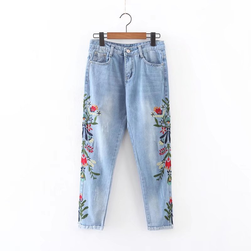 Plus Size Fashion Heavy Industry Flowers Embroidered Loose Ankle Length Jeans White Blue Casual Nine Capris Pants lole капри lsw1349 lively capris xs blue corn