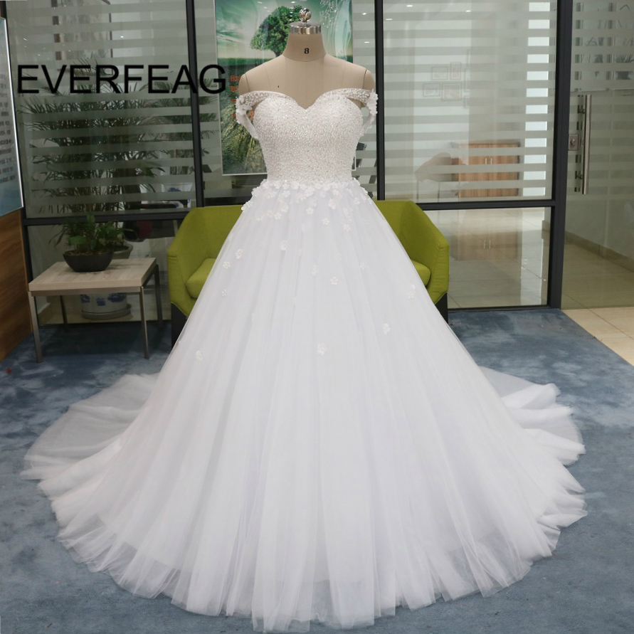 2018 Real Photos Ball Gown Wedding Dresses Full Pearls Off