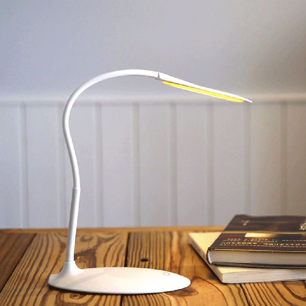 Large Tray Led Desk Lamp Modern Touch Table Lamp Energy Conservation