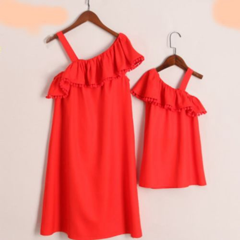 Fashion Mother Daughter Summer One Shoulder Ruffle Sleeveless Fit And Flare Summer Holiday Family Matching Dress Outfits New платье peperuna платья и сарафаны приталенные