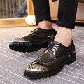 Nuevos hombres zapatos de cuero ocasionales de 2017 del resorte del estilo Británico Calle peluquería flat ocio zapatos masculinos zapatos de cuero color del arma hombre