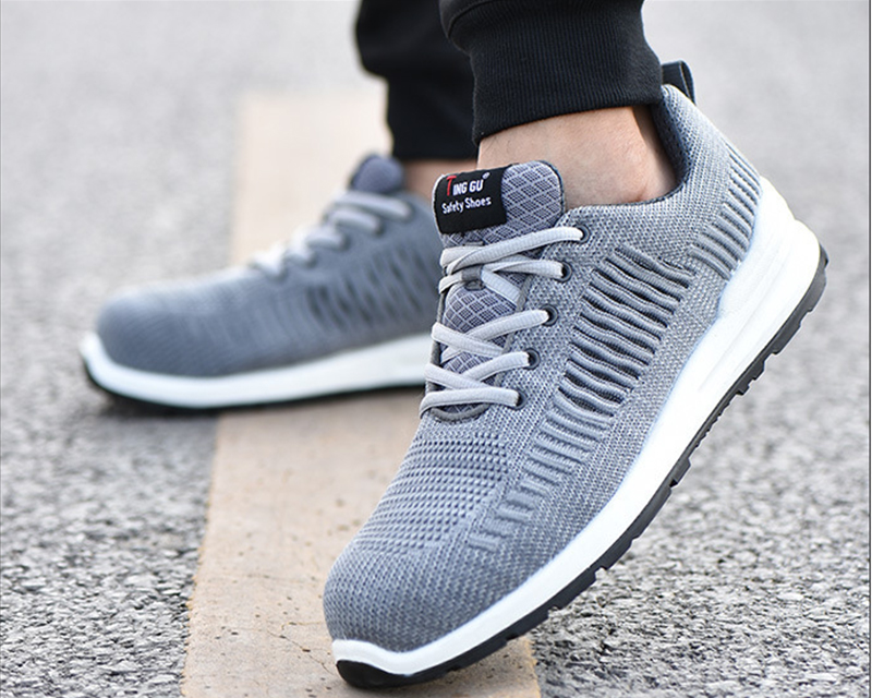 New-exhibition-Flying-mesh-Breathable-Steel-Toe-Cap-Safety-Shoes-Men-anti-pierce-Injection-bottom-work-Safety-boots-2019-Sneaker (19)