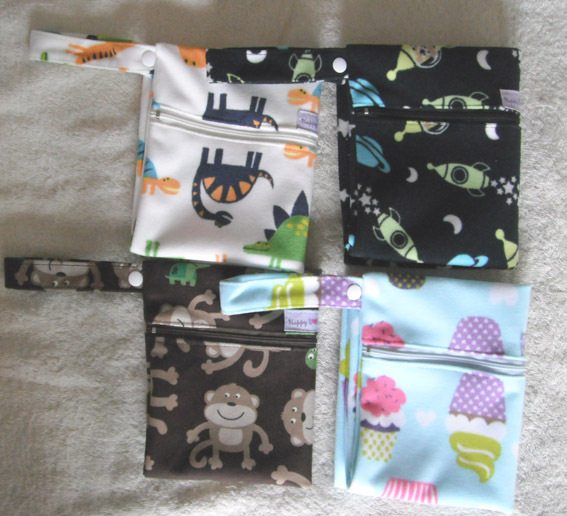Ограниченная распродажа, мешки для подгузников из полиэстера с принтами животных, детские сумки для подгузников, водонепроницаемый пакет на застежке, влажная сумка-20 шт./партия, 30*35 см