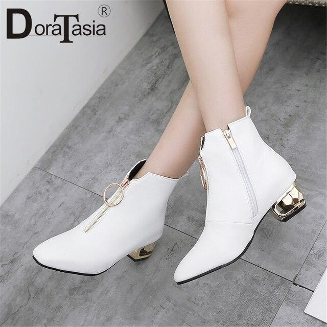 DoraTasia Sıcak Satış Moda Kadın Botları Garip Topuklu Fermuar Kapatma yarım çizmeler Bayanlar Için Ayakkabı Kadın Artı Boyutu 33-48